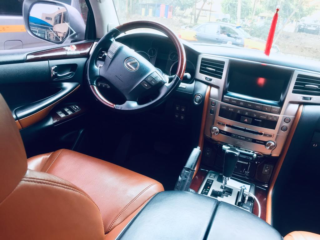Price Of Lexus Lx 570 Silver 2012 Automatic Transmission At Gh 280 000 00 In Ghana Cedis Shopintins Ghana