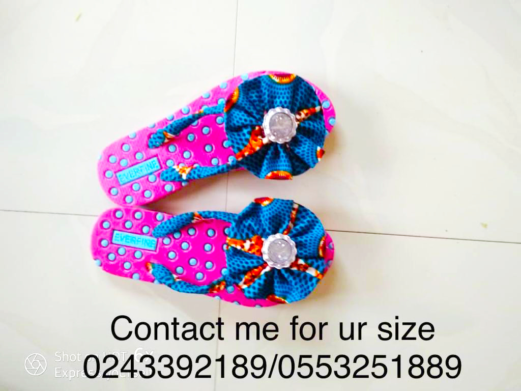 beautifully hand made ladies colourful slippers